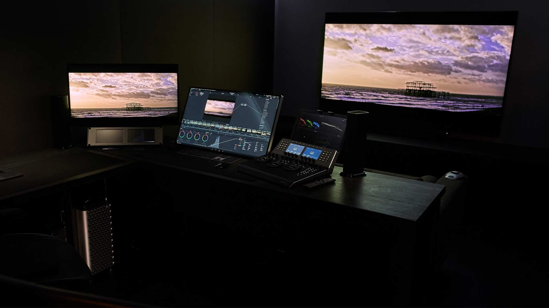 First Impressions of the New Mac Pro and the Pro Display XDR Used on Real-world Projects by James Tonkin at Hangman.
